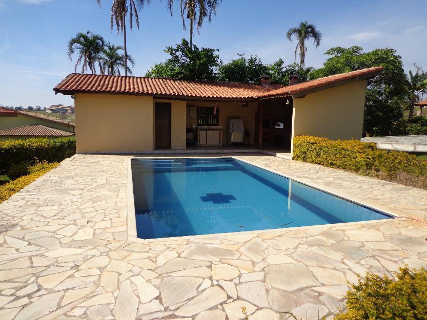 Linda Chácara de 1000 m. com piscina em local com segurança....*