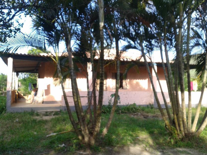 Sítio com 3 hectares (100x300)