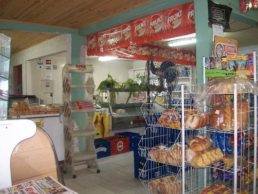 Mini Mercado com moradia