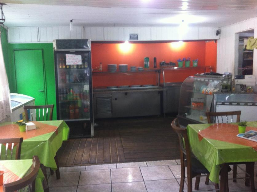 Restaurante com moradia próximo ao Barra Shopping