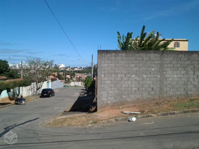Lote de esquina 360 m² na Vila da Samarco