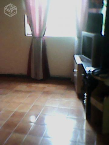 Casa 3 quartos em Belo Horizonte/MG .Em meio lote