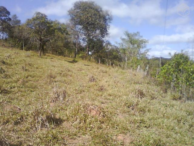 Sitio em Piracema MG com mina no terreno 10 mil m²