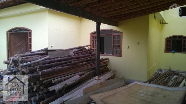 Casa 3 qtos em Nilópolis Independente com quintal