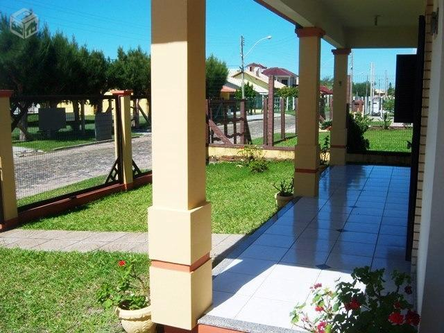 Maravilhosa residência com Piscina em Nova Tdai