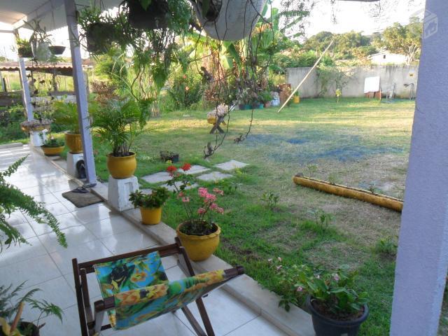 Casa com jardim e varanda decoradas - Saquarema