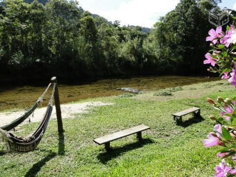 Linda casa em Lumiar, a beira do rio, com 4 suítes