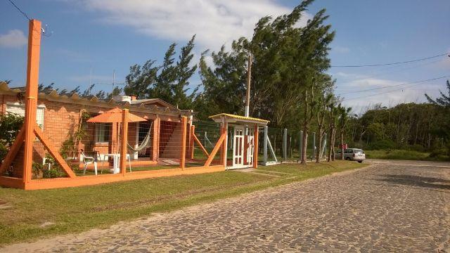 Excelente Casa escriturada e mobiliada na praia de Imara /  - 3 Quadras do mar