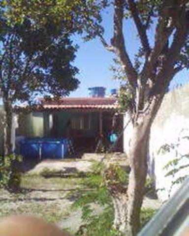 Casa 1 qto amis terreno com 150m2 plano e murado