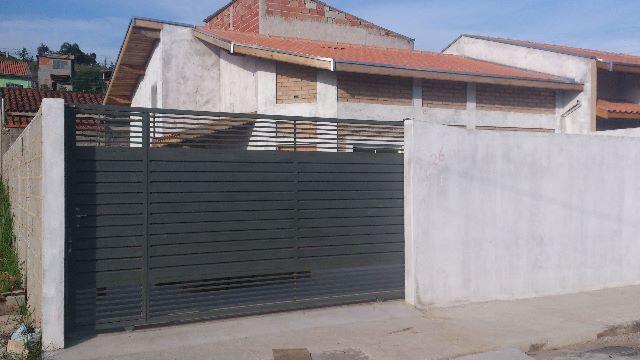 Casa Estoril, 2 Quartos, 1 Suíte, 3 vagas Garagem, Área Churrasco e Piscina
