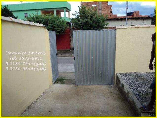 Casa de esquina, linear, 2 vagas e um grande quintal