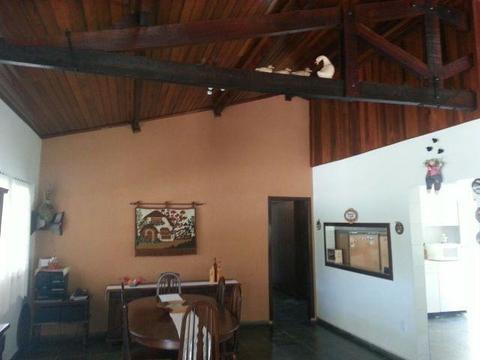 Casa em  -  - Condomínio fechado Capela do Barreiro a 100 KM de S.P