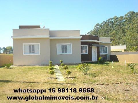Ninho Verde I - Térrea com 4 Dormitórios