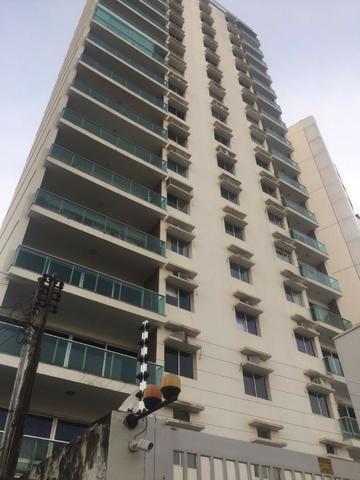 Condominio do Edificio Castellamare, Apto 4/4 sendo 1 Suíte - Completo de armários